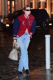 Gigi Hadid - Out on a rainy day in New York