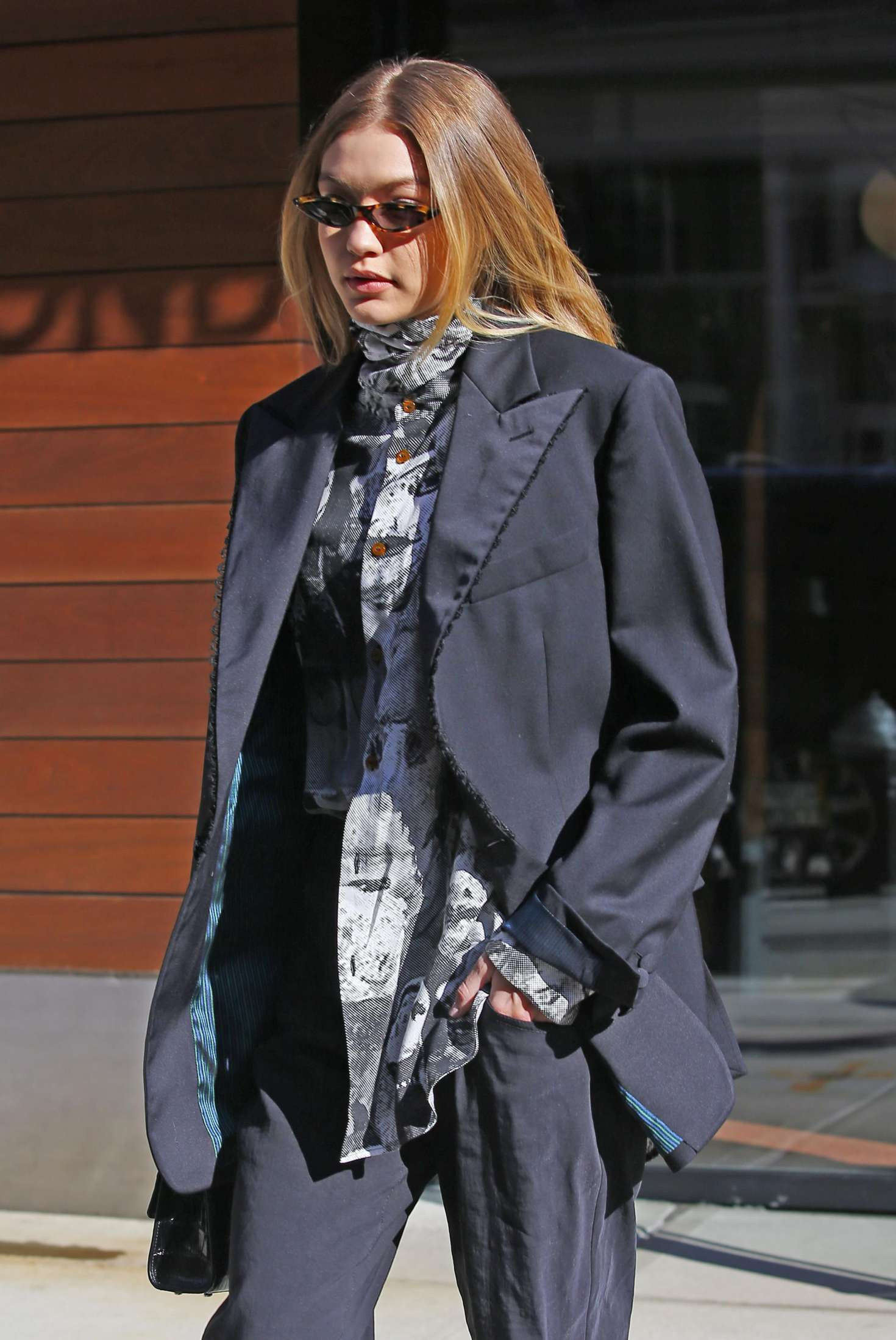 Gigi hadid out to fashion week in new york for Gigi hadid fashion week