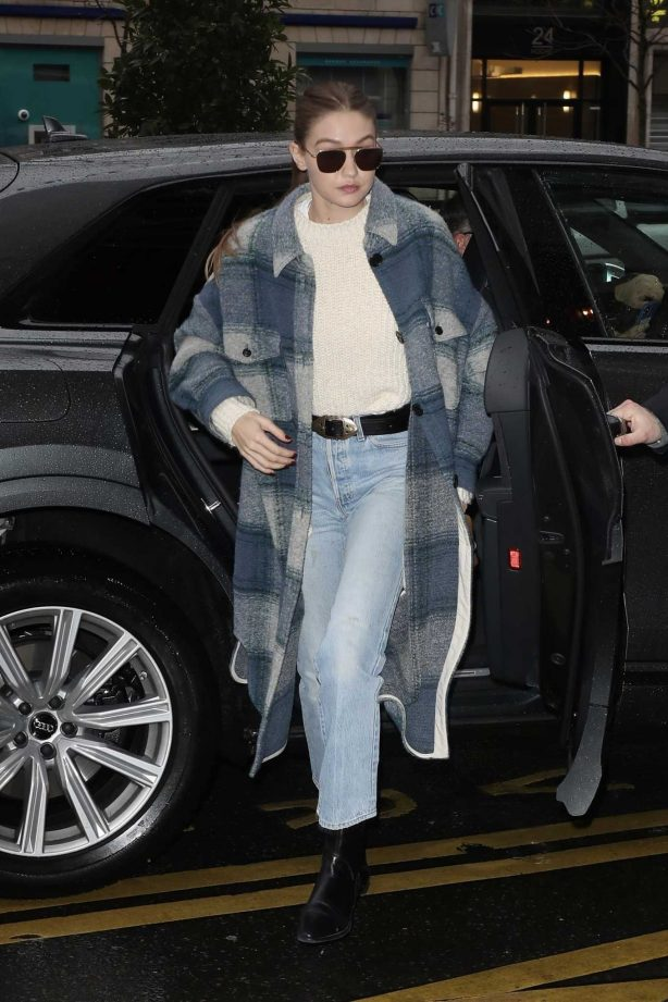 Gigi Hadid - Returns to her hotel in Paris