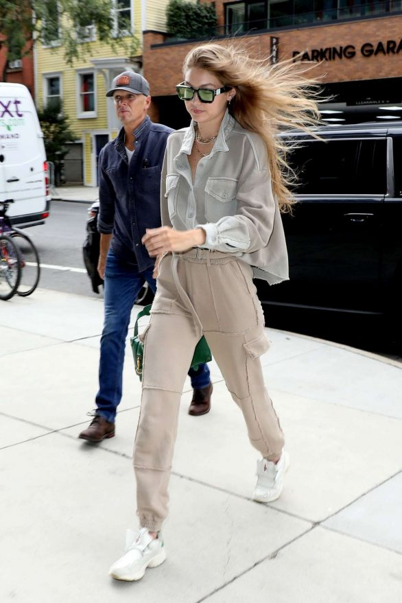 Gigi Hadid - Seen arriving at the 'Barclays Center' in Brooklyn
