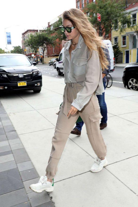 Gigi Hadid 2019 : Gigi Hadid – Seen arriving at the Barclays Center in Brooklyn-04