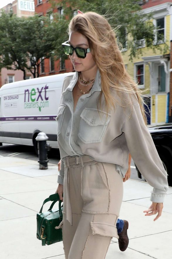 Gigi Hadid 2019 : Gigi Hadid – Seen arriving at the Barclays Center in Brooklyn-06