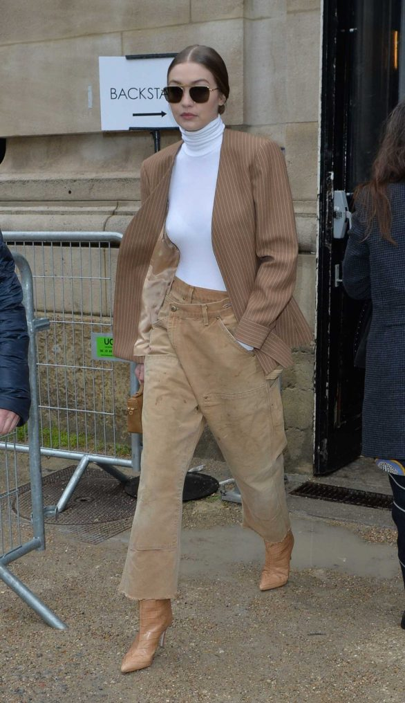 Gigi Hadid - Seen while exits the Chloe fashion show in Paris