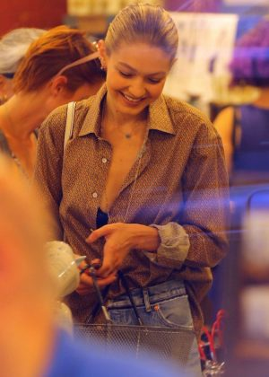 Gigi Hadid - Shopping Candids In New York