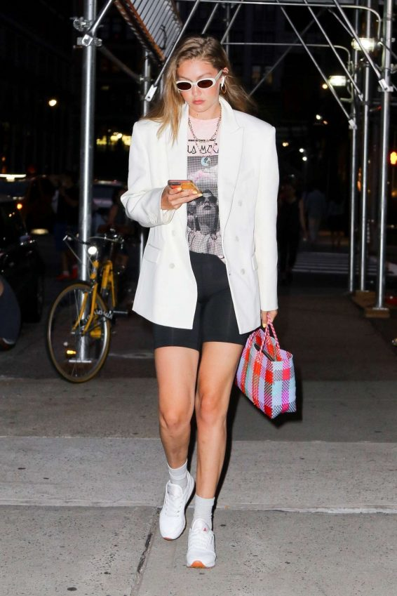 Gigi Hadid - Spotted heading to dinner in NY