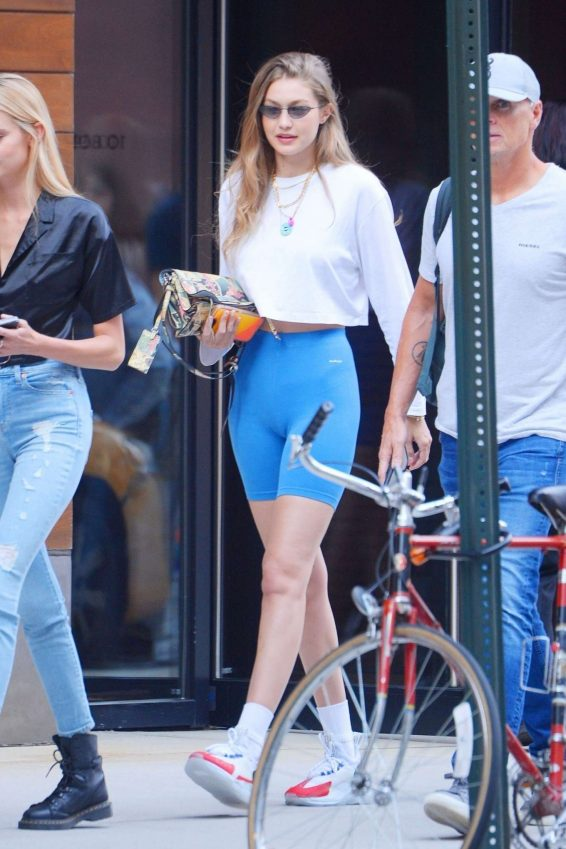 Gigi Hadid 2019 : Gigi Hadid – Steps out of her apartment in NYC-08