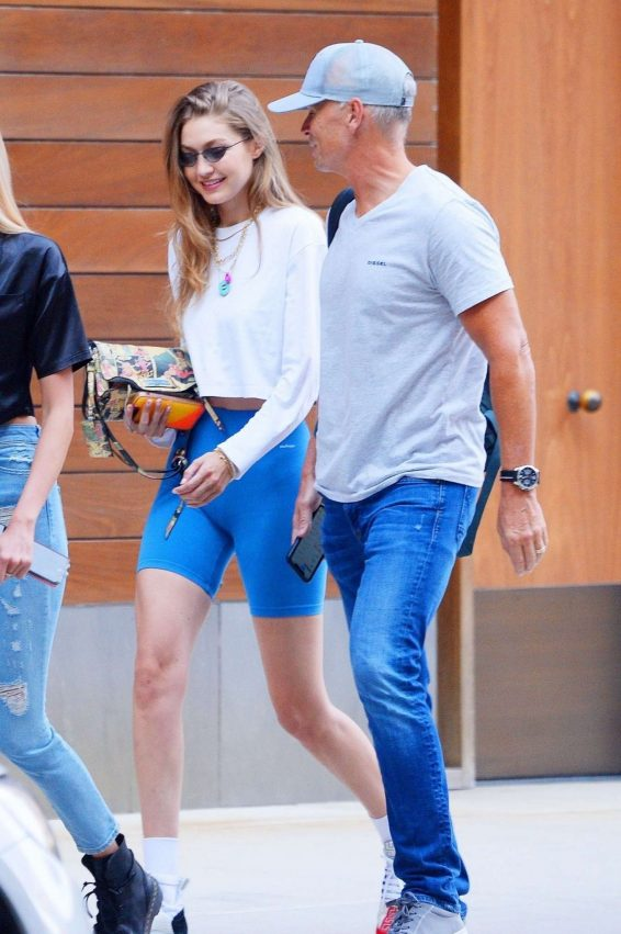 Gigi Hadid 2019 : Gigi Hadid – Steps out of her apartment in NYC-10
