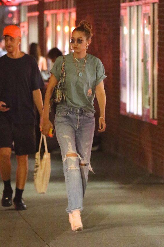 Gigi Hadid 2019 : Gigi Hadid – Takes an afternoon stroll in NYC-01