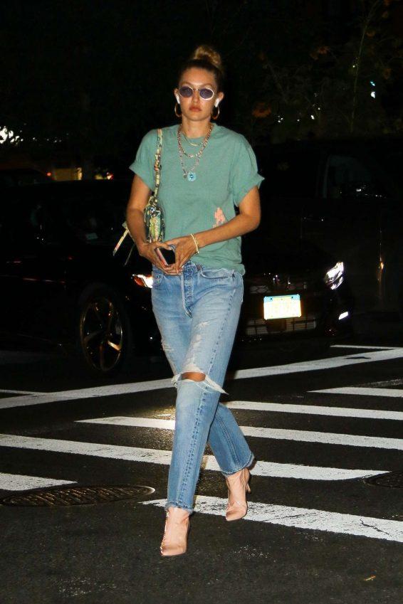 Gigi Hadid 2019 : Gigi Hadid – Takes an afternoon stroll in NYC-09