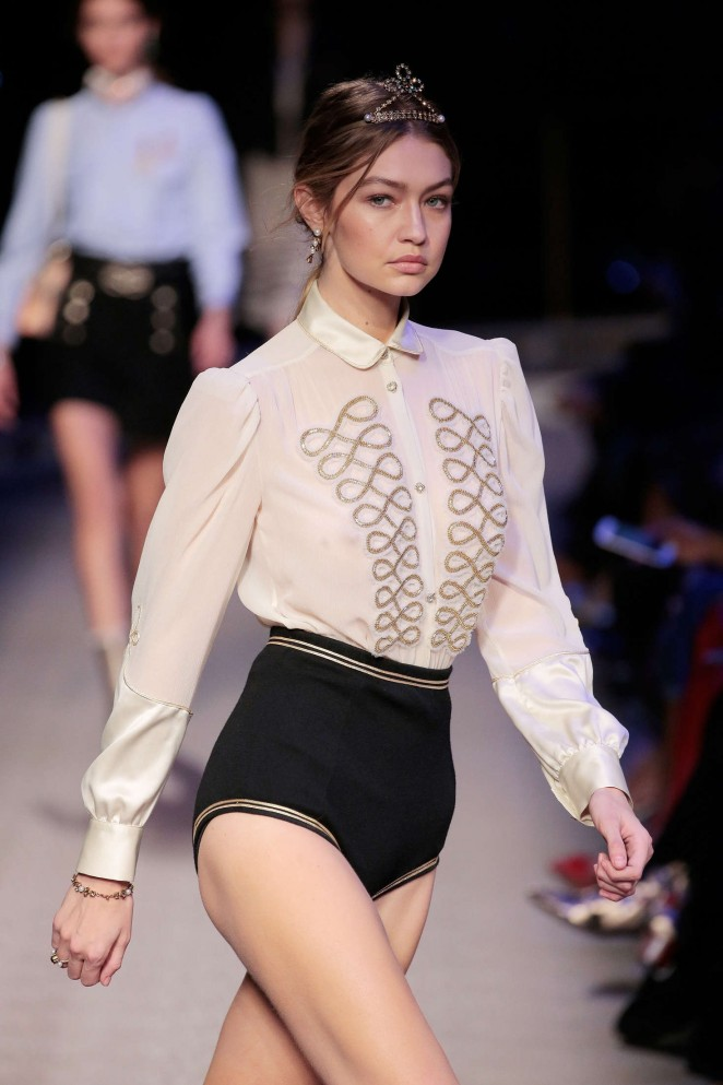 Gigi Hadid - Tommy Hilfiger 2016 Fashion Show in NYC