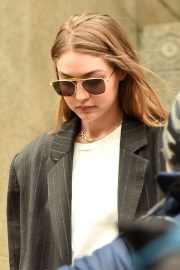 Gigi Hadid - Walks out of Manhattan Criminal Court in New York