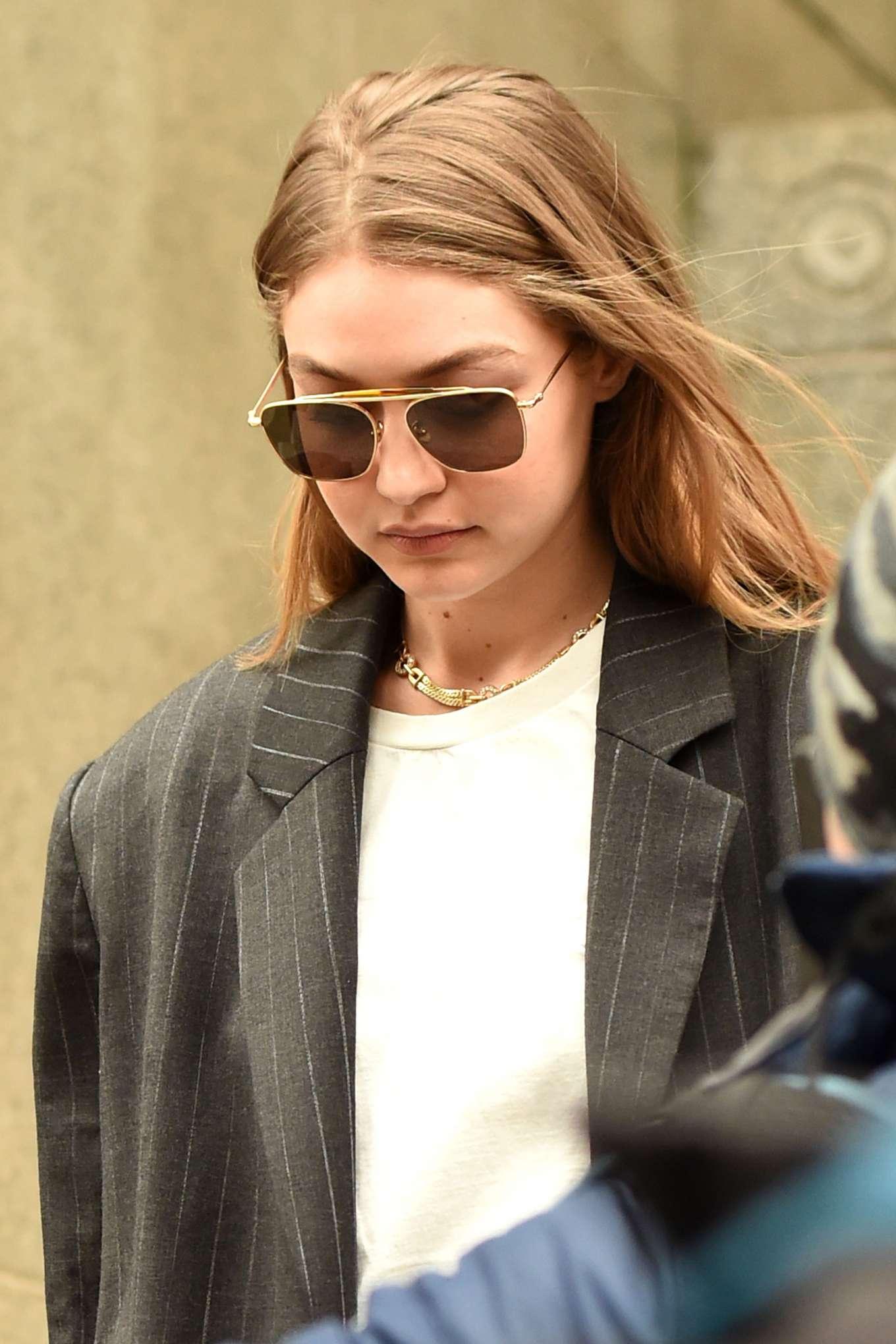 Gigi Hadid - Walks out of Manhattan Criminal Court in New York