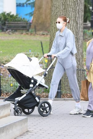 Gigi Hadid - with her daughter in New York