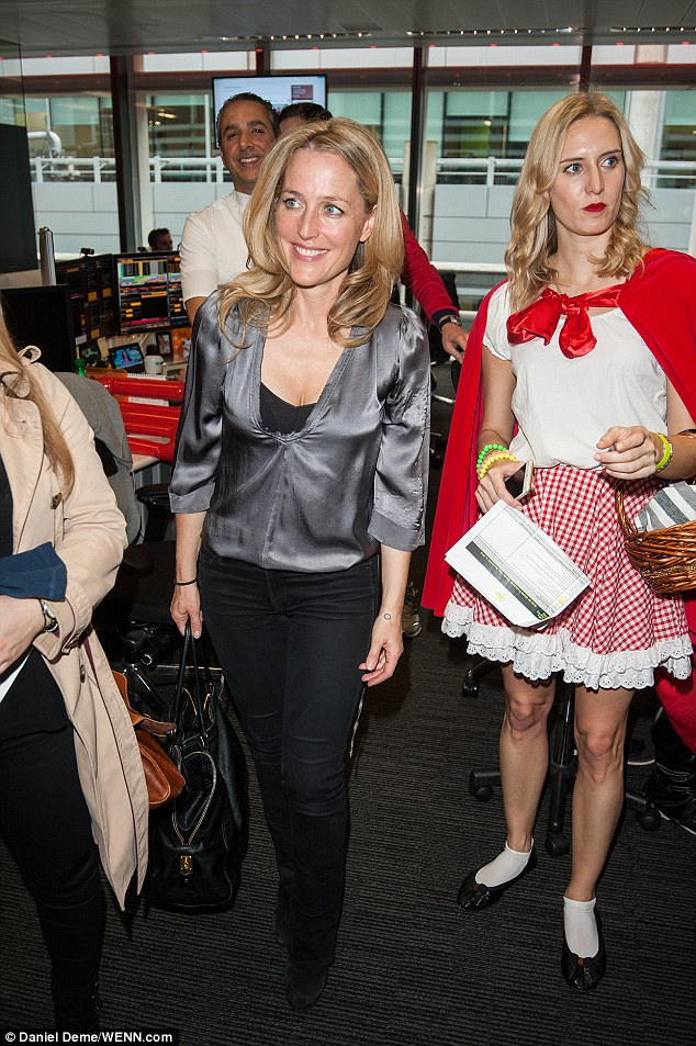 Gillian Anderson: Bloomberg Tradebooks Charity Day -03