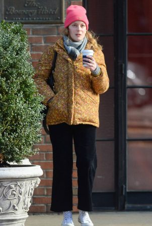Gillian Jacobs - Out for Coffee in New York