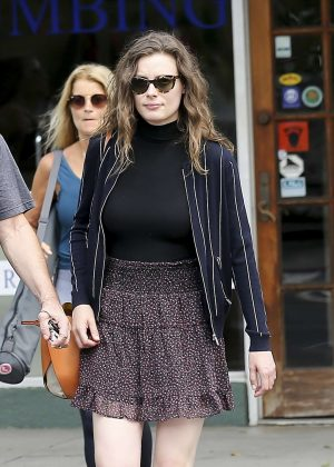 Gillian Jacobs - Shopping in Los Angeles