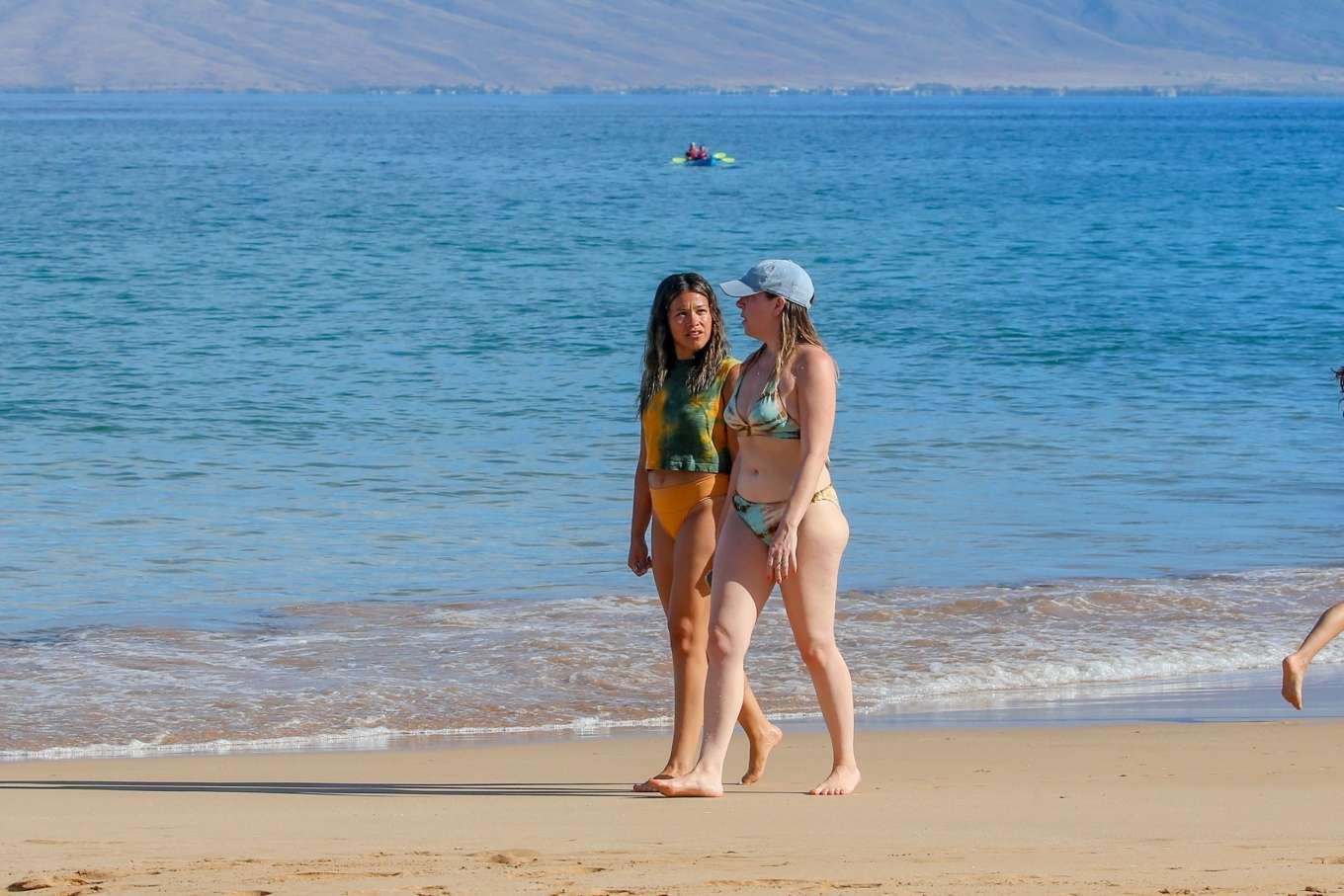 Gina Rodriguez 2019 : Gina Rodriguez: Spotted at a beach in Maui-03