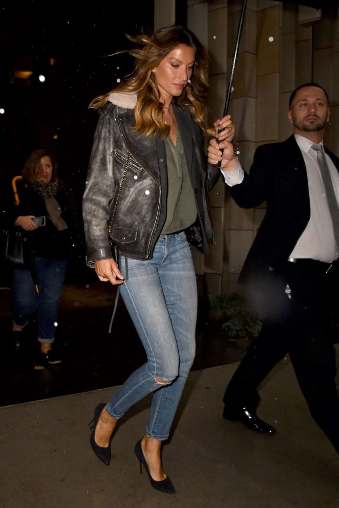 Gisele Bundchen in skinny jeans out in New York