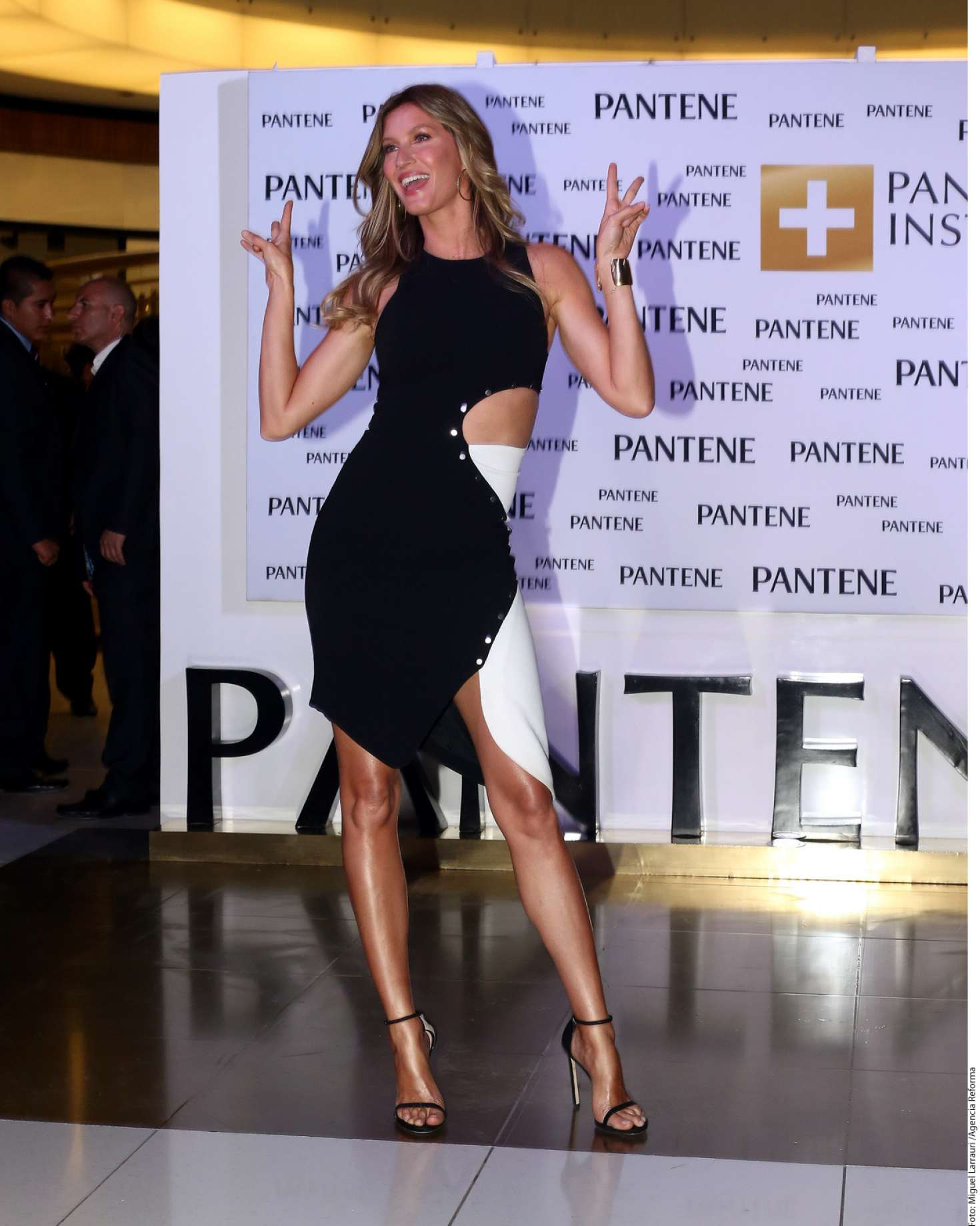 Gisele Bundchen 2016 : Gisele Bundchen: Launching Pantene Institute -05