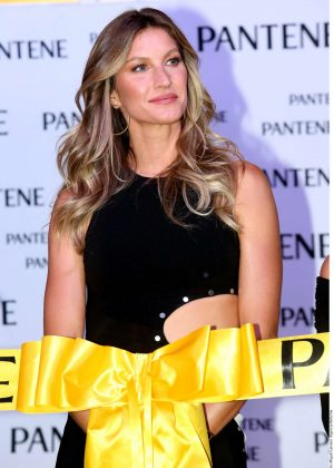 Gisele Bundchen - Launching Pantene Institute in Mexico