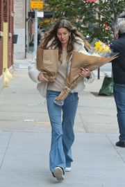 Gisele Bundchen - With flowers out in New York