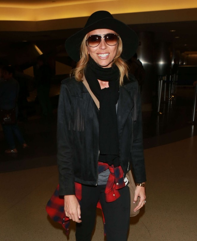 Giuliana Rancic - Arrives at LAX Airport in Los Angeles