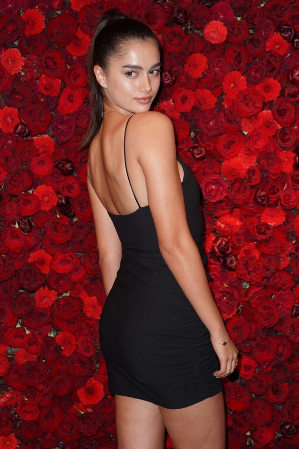 Gizele Oliveira - Victoria's Secret Bombshell Intense Launch Party in New York
