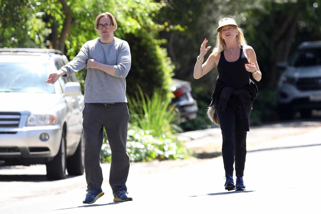 Goldie Hawn 2020 : Goldie Hawn and Boston Russell – Get a Walk in Brentwood-11