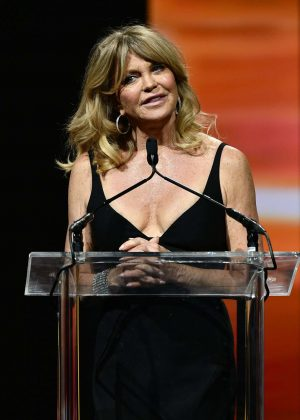 Goldie Hawn - Big Screen Achievement Awards at 2016 CinemaCon in Las Vegas