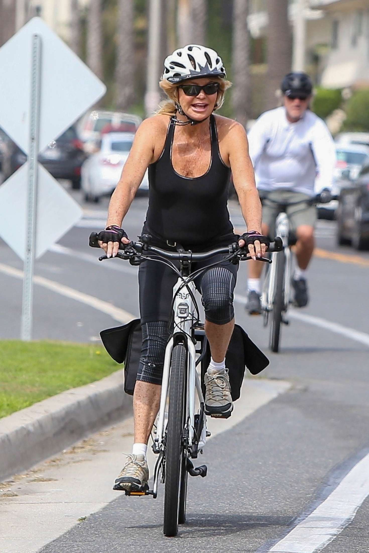 Goldie Hawn - Bike Ride in LA