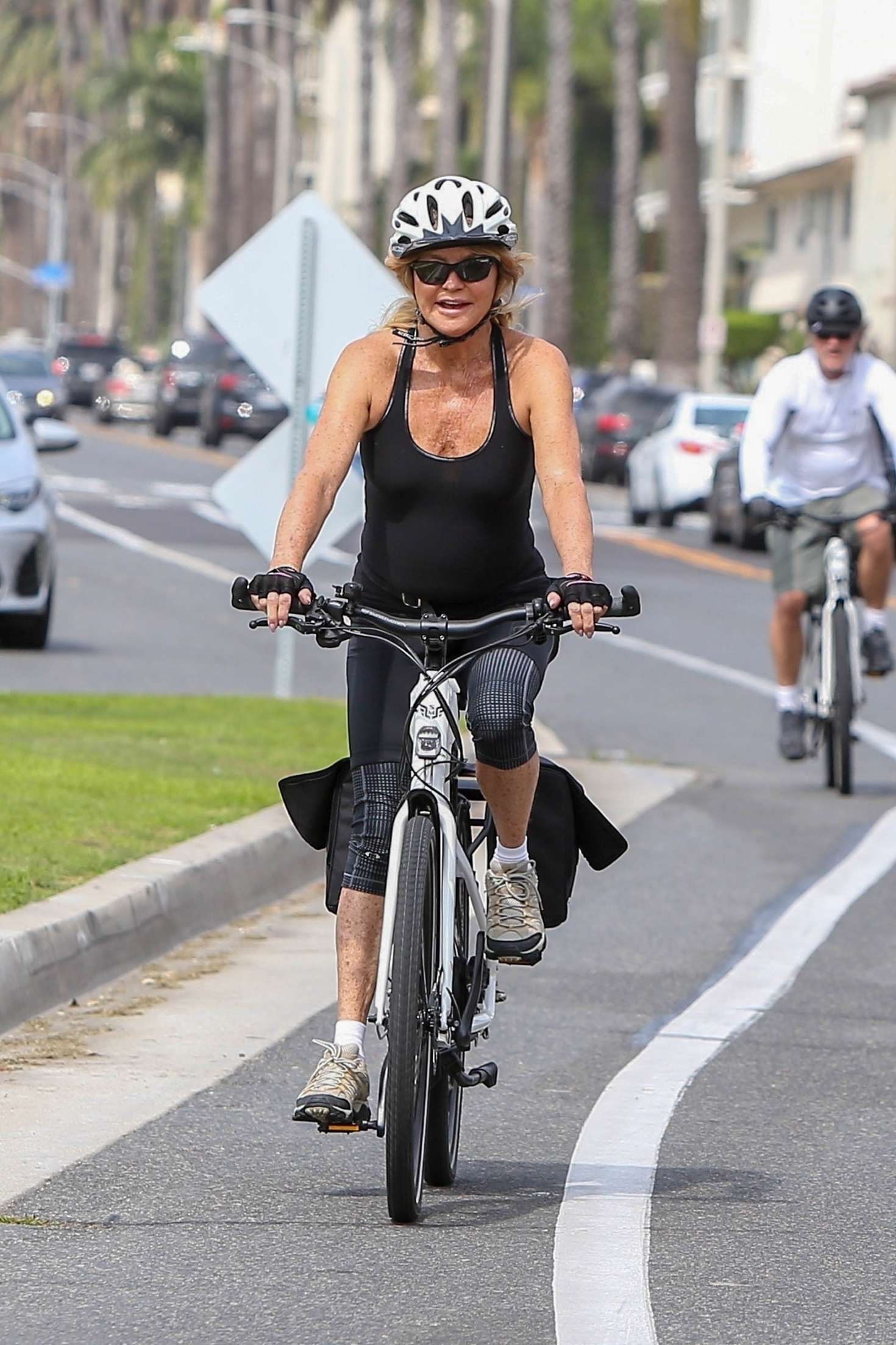 Goldie Hawn 2018 : Goldie Hawn: Bike Ride in LA -05