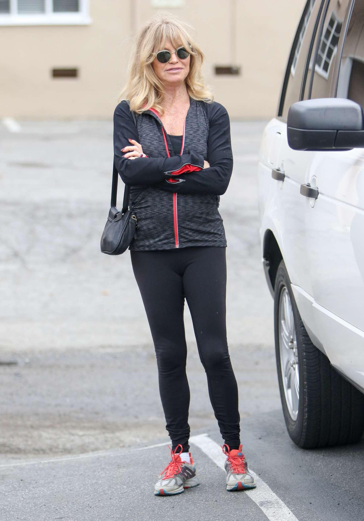 Goldie Hawn 2017 : Goldie Hawn in Black Tights -10