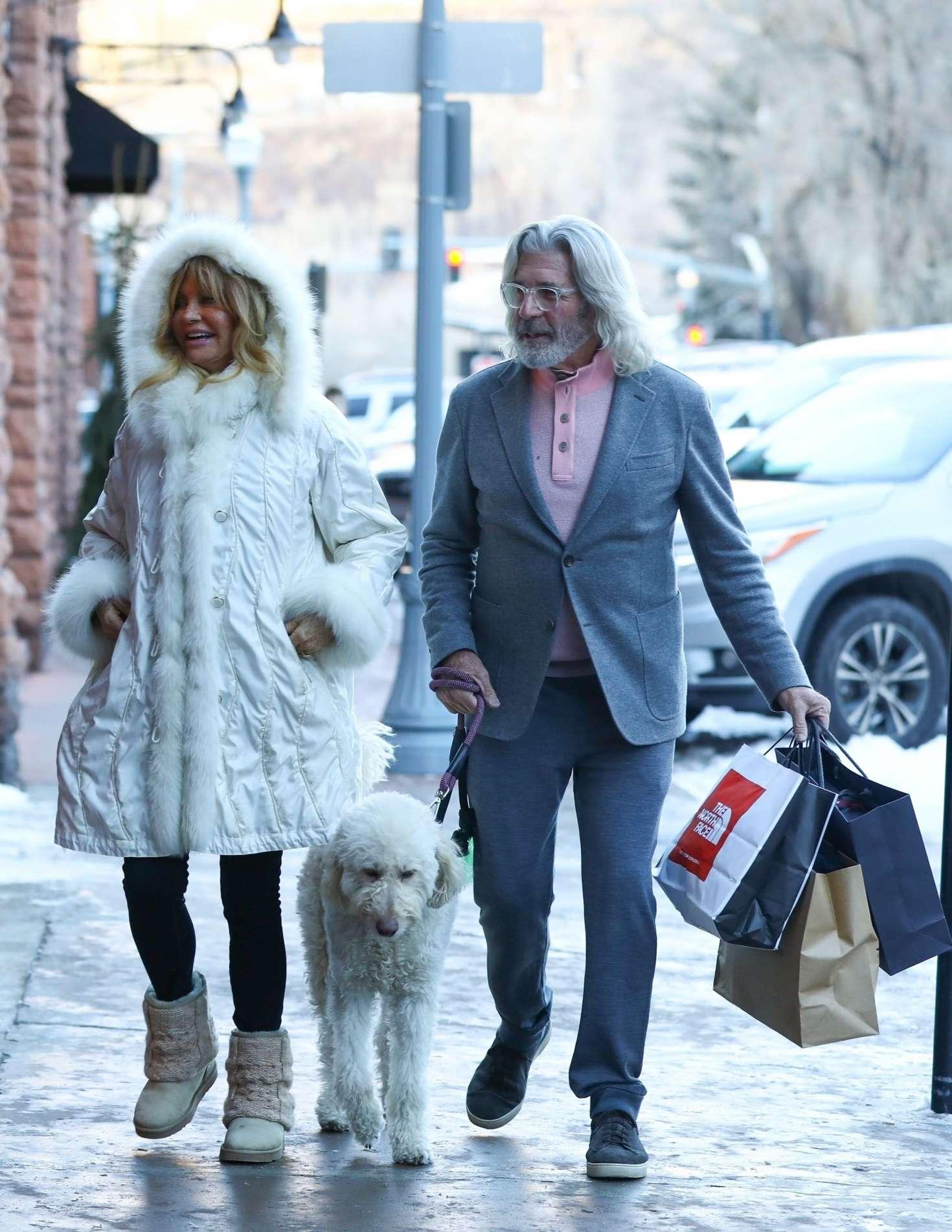 Goldie Hawn 2018 : Goldie Hawn in White Fur Coat -02