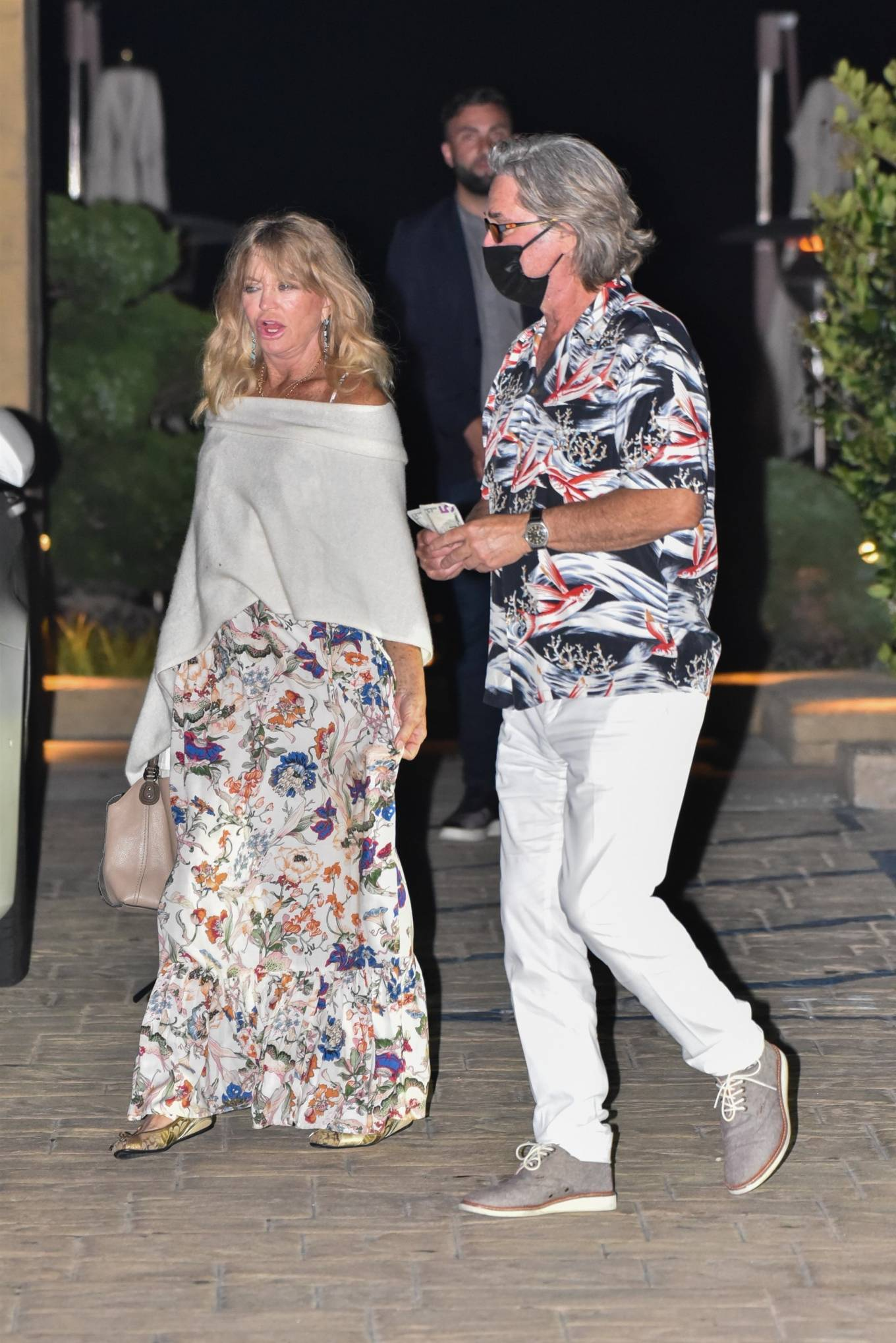 Goldie Hawn 2020 : Goldie Hawn – Out for dinner in Malibu-05