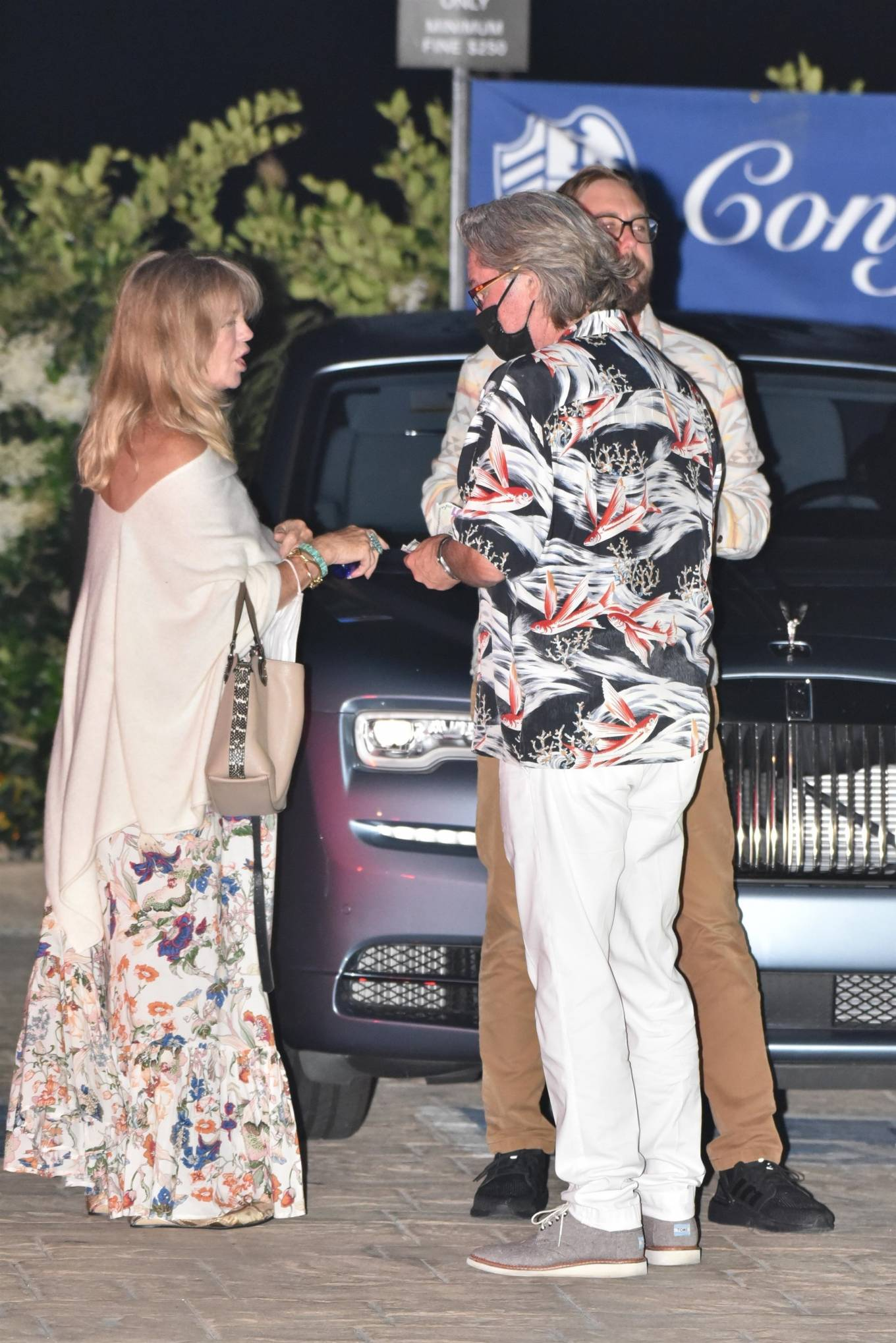 Goldie Hawn 2020 : Goldie Hawn – Out for dinner in Malibu-06