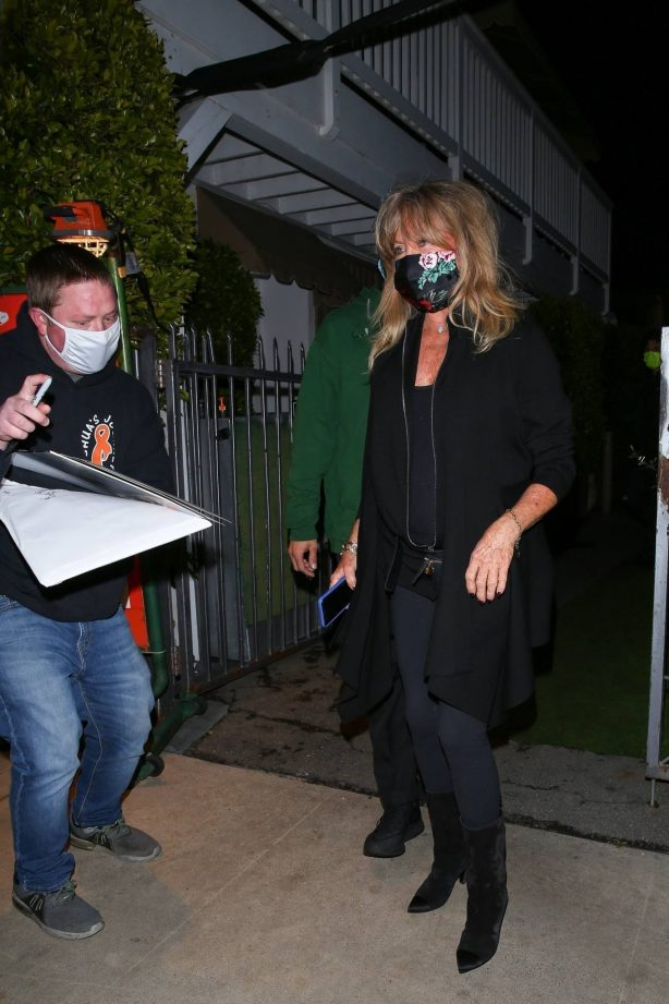 Goldie Hawn - Seen after dinner at Giorgio Baldi restaurant in Santa Monica