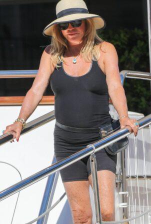 Goldie Hawn - Seen in Saint Tropez
