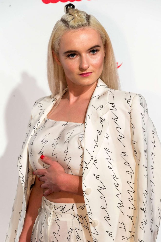 Grace Chatto – Capit...