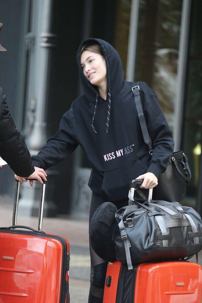 Grace Elizabeth - Arriving to a hotel in Milan
