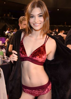Grace Elizabeth - Victoria's Secret Fashion Show Backstage 2017 in Shanghai