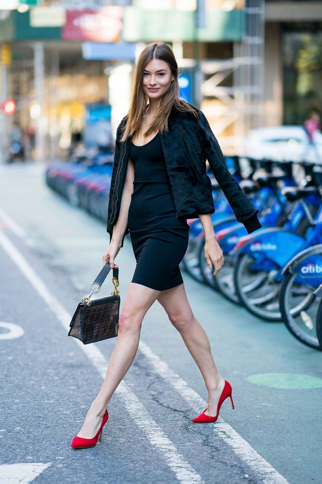 Grace Elizabeth - Victoria's Secret Fashion Show Fittings in NY