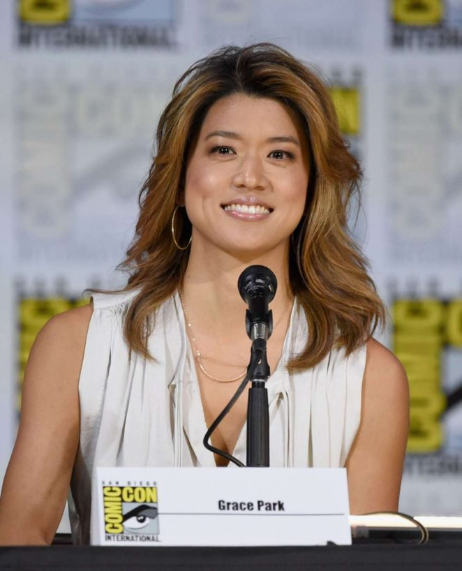 Grace Park – 2017 Battlestar Galactica Reunion Panel – Comic-con In San Diego