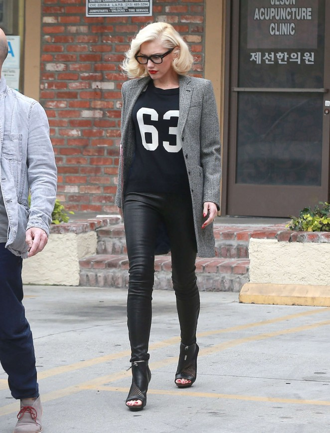Gwen Stefani in Leather Pants at Acupuncture Clinic in LA