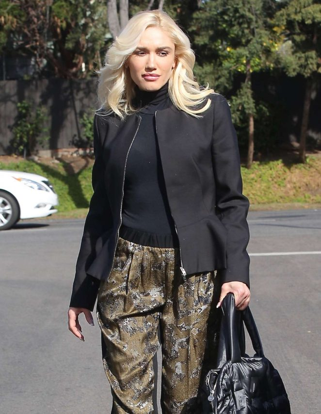Gwen Stefani - Arrives at Church in Los Angeles