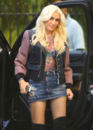 Gwen Stefani - Arrives to Warner Music Group in Burbank