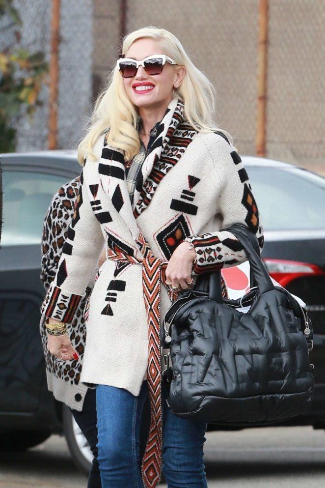 Gwen Stefani at a dance studio in Los Angeles
