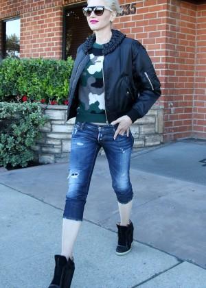 Gwen Stefani at a Medical Office in Sherman Oaks