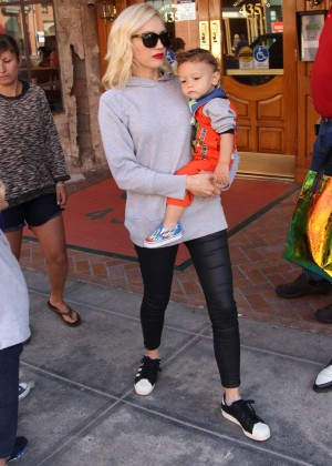 Gwen Stefani at toy store in Beverly Hills