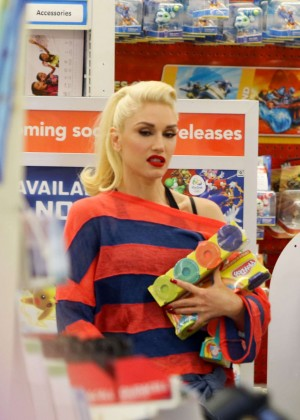 Gwen Stefani at Toys R Us in Los Angeles