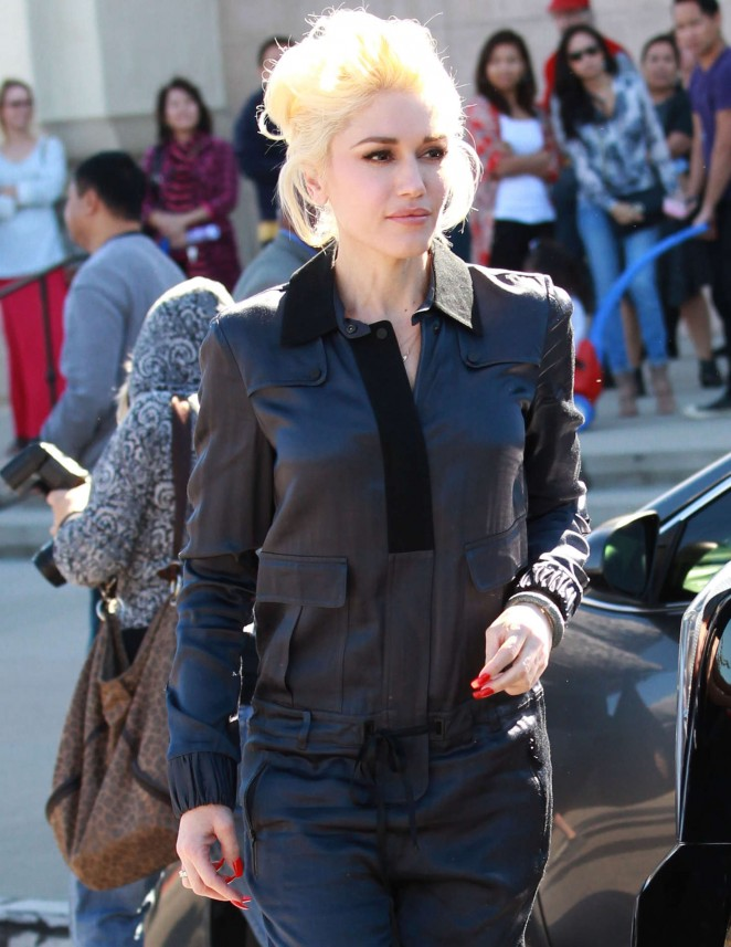 Gwen Stefani – Attending Church services in Los Angeles